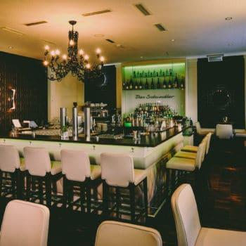 das schindler - bar